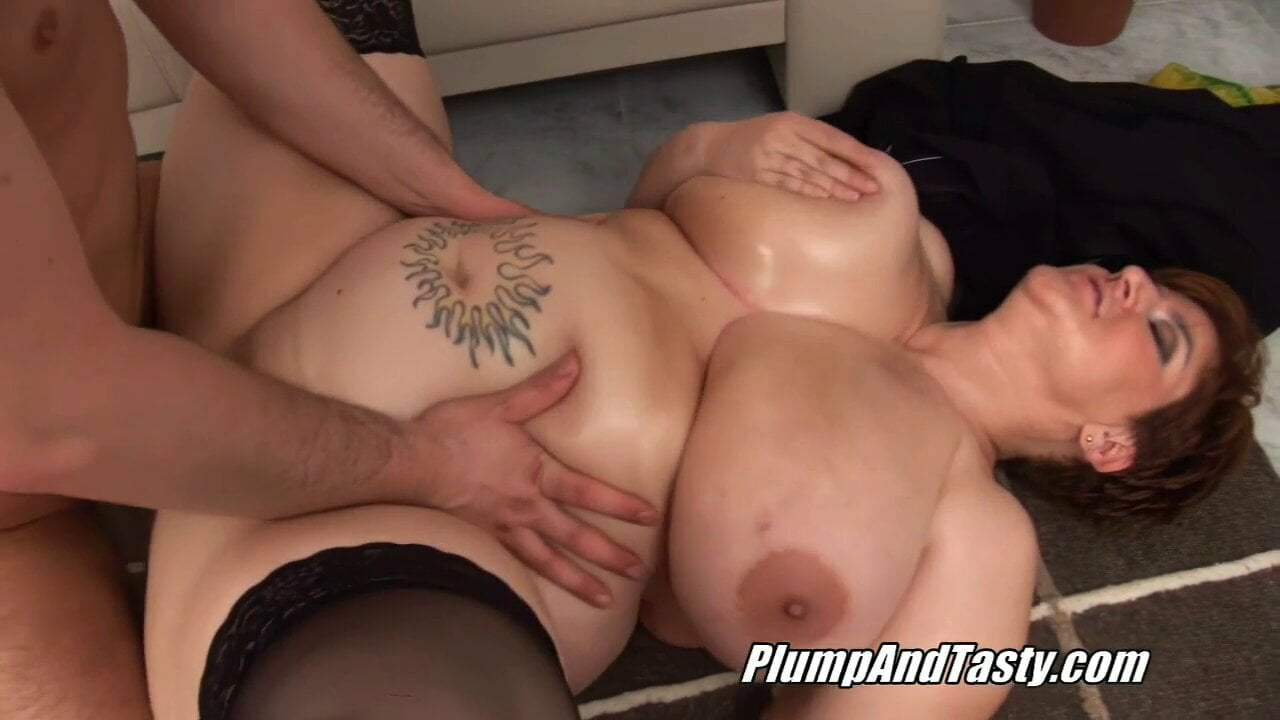 adult conjoined twins nude