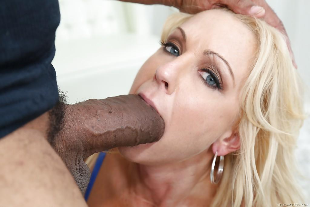 what is the perfect age for hookup