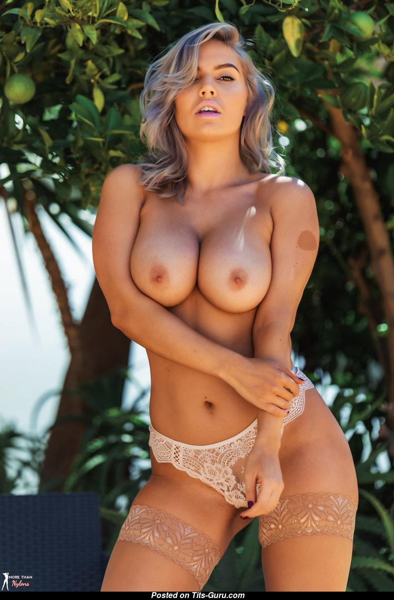 hot sexy blonde naked sharp tits pussy