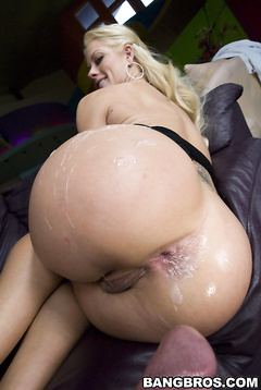 married pregnant threesome